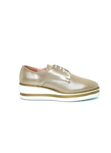 Kuum Ayakkabı Altın